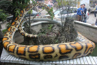 کنترل از راه دور Lifelike Animatronic Snake Boa Constrictor 110 / 220V AC Powered