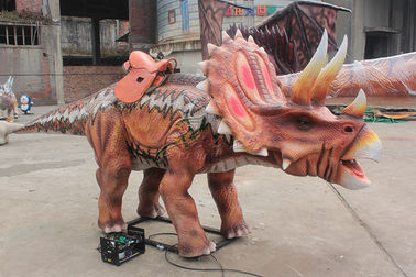 چین Triceratops Realat Animatronic Red Dinosaur Ride For Park سرگرمی کارخانه