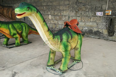 چین Lifelike Green Brachiosaurus Dinosaur Ride For City Plaza Playground کارخانه
